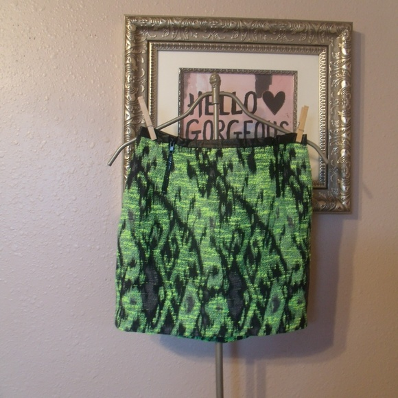 Astr Dresses & Skirts - Astr Neon Green/Black Faux Leather Trim Mini Skirt